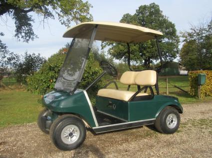 Clubcar golfcar (48V, NIEUWE ACCU'S, met vooruit en dak)