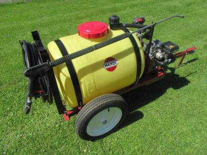 HARDI motorvatspuit (B&S motor, 200 liter. tank, i.z.g.s.)