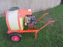 DOUVEN (motor) vatspuit (5 pk B&S motor, 100 liter inhoud.)