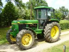 JOHN DEERE tractor (type 3040, 4WD, hi/lo, 6545 draaiuren)