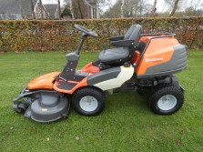 HUSQVARNA Rider 422Ts AWD (22 pk, 122 cm., 4 WD, etc., etc.)
